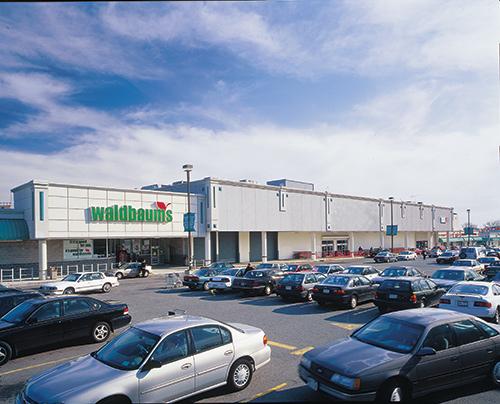 Glen Oaks retail center