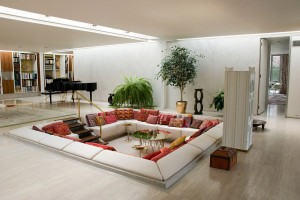 6-red-white-living-room-conversation-pit (1)