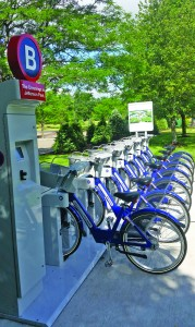 Employees of tenants  can rent bicycles by the hour.