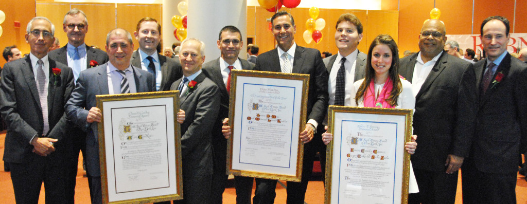 The 2015 judges and winners, l-r: Andrew Albstein, Goldberg Weprin & Ustin, LLP; Peter Hauspurg, Eastern Consolidated; Alan Goodkin, Patrick Nessenthaler, and David Robinov, The Ackman-Ziff Real Estate Group; Mark Weiss (now of Cushman & Wakefield) with Howard Kesseler and Justin DiMare, Newmark Grubb Knight Frank; Lauren Crowley Corrinet, CBRE, Inc.; John Banks, REBNY President; Woody Heller, Savills Studley