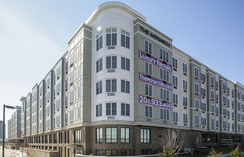 SELLING POINTS Luxury apartment complex across from American
