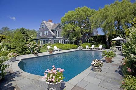 HAVE YOU HEARD; Daniel Gale Sotheby's closes biggest deal on North Fork; Grey Gardens offered for sale