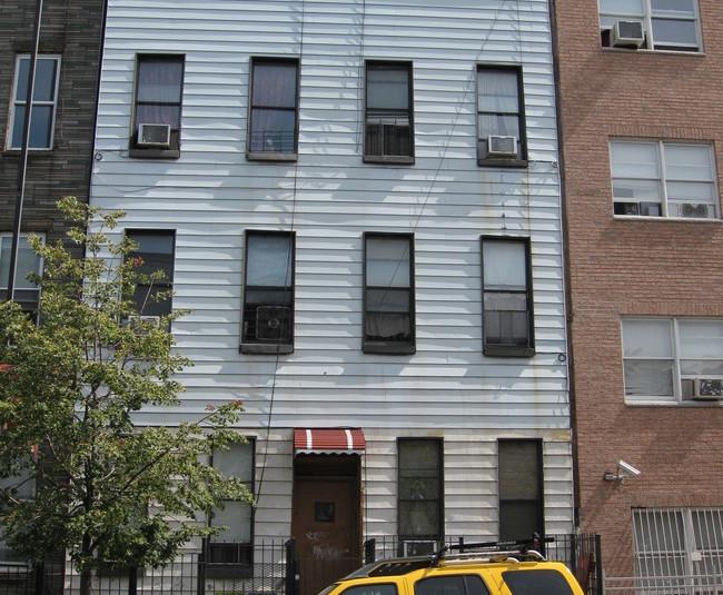 Photo via apartments.com