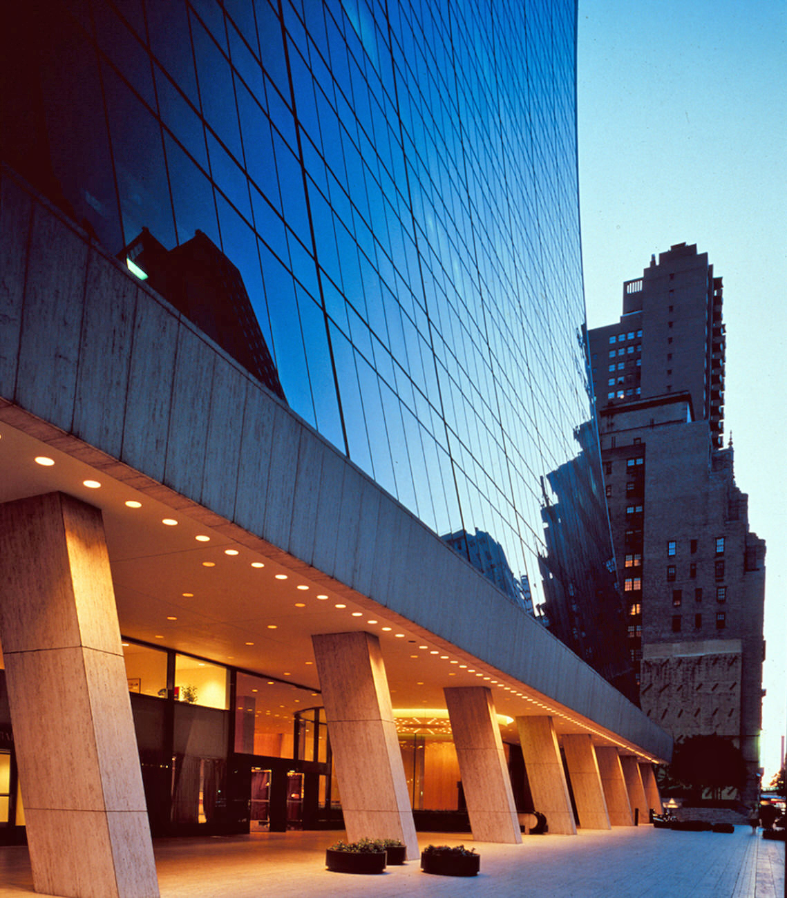 Apollo adds 65,000 s/f to W57th Street footprint | Real
